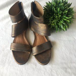 Bronze/copper look Matisse sandles